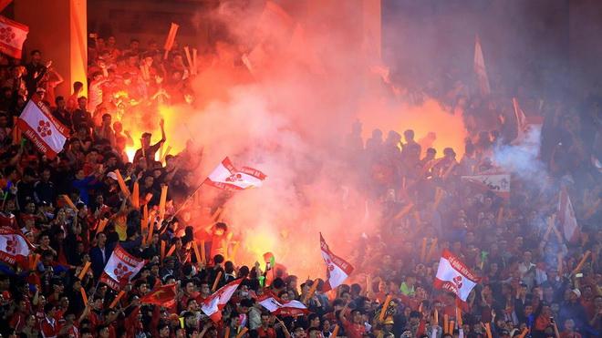 Báo động 'ô nhiễm' môi trường bóng đá