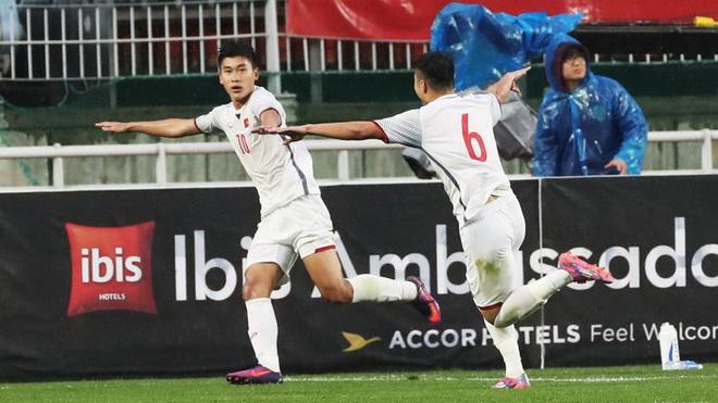 Mạnh Dũng ghi bàn ngẫu hứng, U19 Việt Nam cầm hòa U19 Hàn Quốc