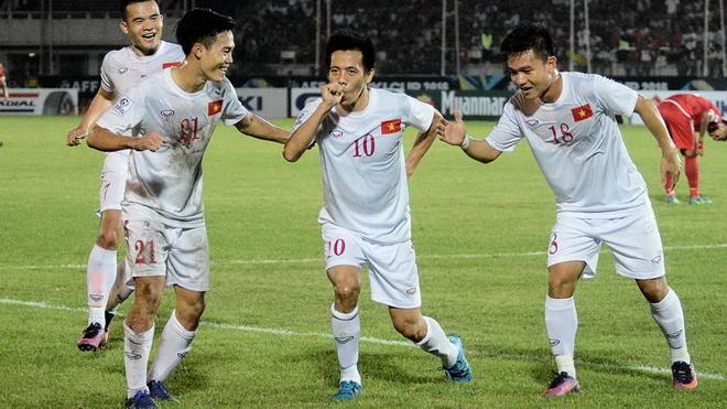 Tiền vệ Văn Quyết: 'Tuyển Việt Nam muốn vào chung kết AFF Cup 2018'
