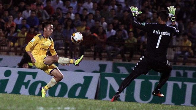 Video clip highlights SLNA 0-0 B.Bình Dương: Né chê trọng tài, hòa bởi kém may