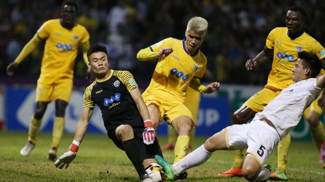 Video clip highlight bàn thắng FLC Thanh Hóa 2-0 Long An: Tiến Dũng giữ sạch lưới