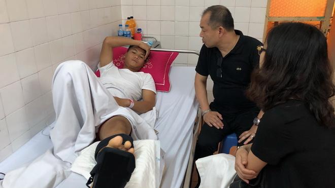 Bảo hiểm PTI tạm ứng bồi thường cho cầu thủ Văn Hào