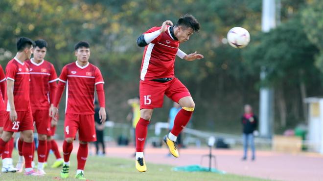 Tuyển thủ Việt Nam ấm lòng dù thi đấu xa nhà