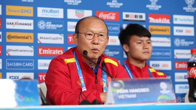 HLV Park Hang Seo trở lại Việt Nam, kịp dự khán V-League...
