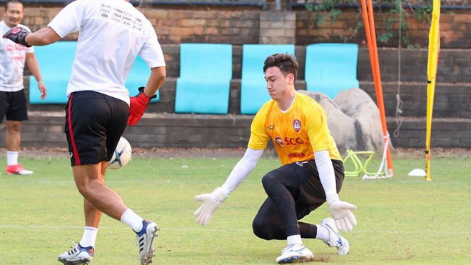 Thủ môn Văn Lâm: 'Tôi không gặp khó khăn khi hòa nhập tại Muangthong United'