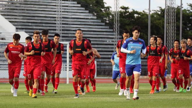 Văn Lâm hy vọng cùng tuyển Việt Nam có điểm trước Thái Lan