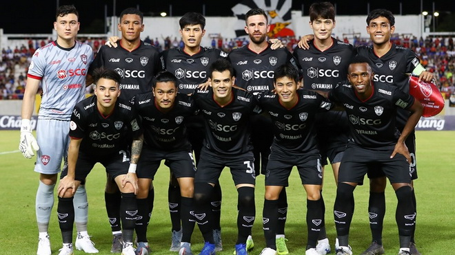 Đồng đội báo hại Văn Lâm, Muangthong bị loại tại FA Cup Thái Lan