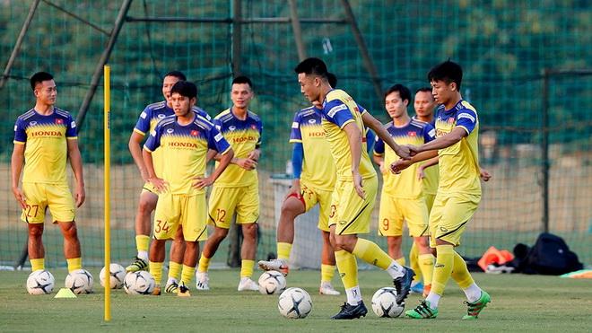 Tin tức Việt Nam vs Malaysia 25/9: Tuyển Việt Nam đấu tập nội bộ với U22 Việt Nam