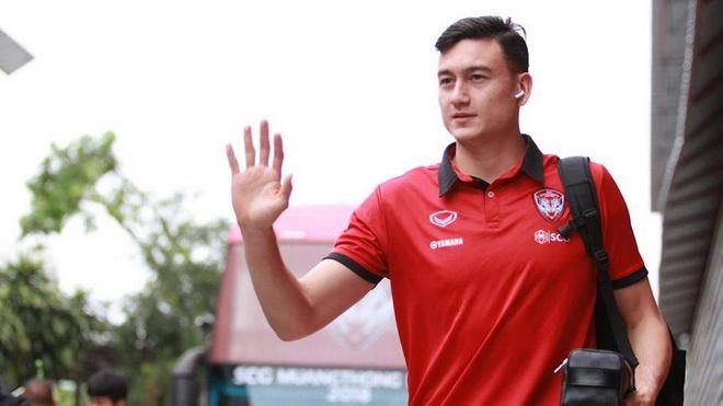 Văn Lâm ghi dấu trong màn hồi sinh thần kỳ của Muangthong United