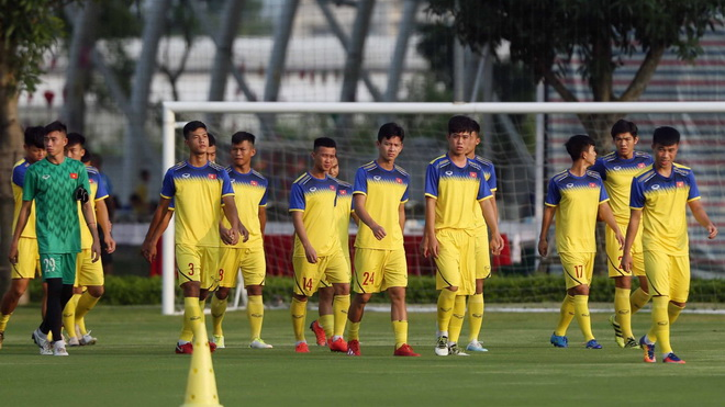 Trực tiếp bóng đá: U19 Việt Nam đấu với U19 Thái Lan (19h00 hôm nay)