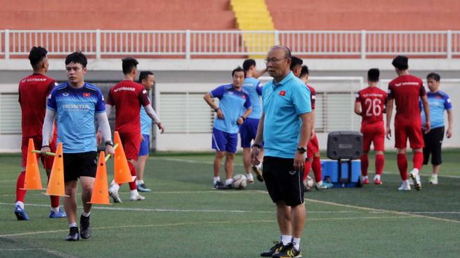 Tin bóng đá SEA Games 30 ngày 22/11: U22 Thái Lan mất trung vệ trụ cột, U22 Việt Nam tôn trọng đối thủ