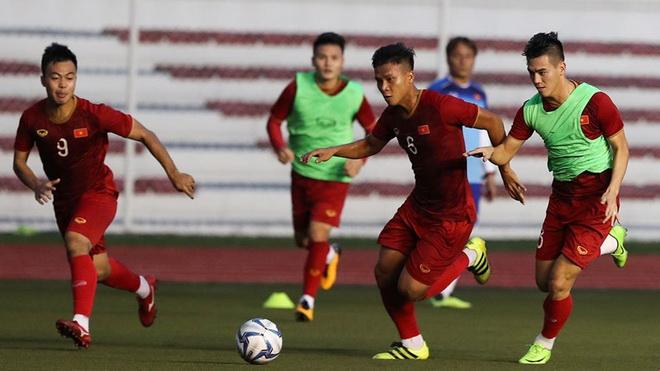 Tin bóng đá SEA Games 30 ngày 25/11: Bùi Tiến Dũng là thủ môn số 1, U22 Thái Lan sốc vì sân tập quá tệ