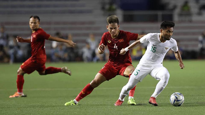 Tin bóng đá SEA Games 3/12: U22 Việt Nam 'chiến' hết mình với U22 Singapore