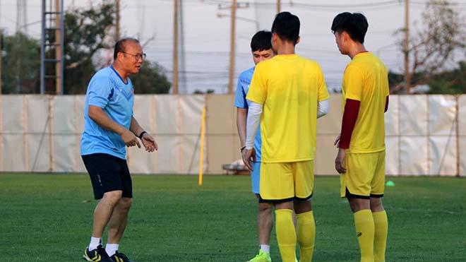 HLV Park Hang Seo: 'Tuyển Việt Nam cần 6 điểm từ 3 trận đấu'