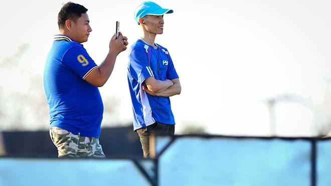 Trung vệ Huỳnh Tấn Sinh: 'UAE chơi thiên về kiểm soát bóng'