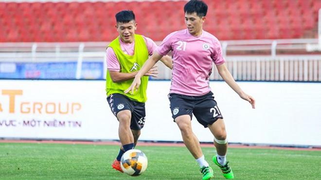 Hà Nội FC chia nửa buồn vui vì Văn Hậu và Đình Trọng