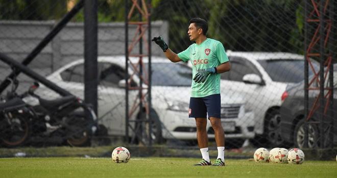 Văn Lâm làm việc với HLV thủ môn mới, chinh phục các mục tiêu tại Thai League
