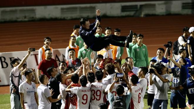 bóng đá Việt Nam, tin tức bóng đá, bong da, tin bong da, Viettel, HAGL, bầu Đức, HLV Trương Việt Hoàng, Viettel vô địch V League, kết quả bóng đá