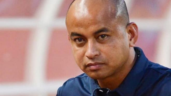 Cựu tuyển thủ Thái Lan có thể làm thầy Bùi Tiến Dũng