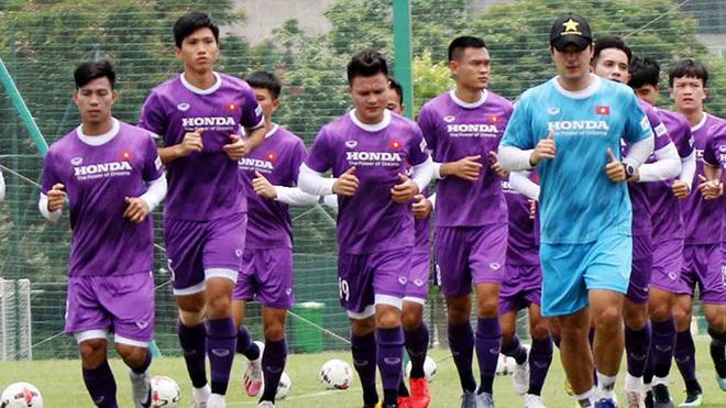 Đội tuyển Việt Nam đã về đến Việt Nam