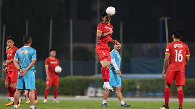 Tin ĐT Việt Nam ngày 30/5: Văn Hậu có thể đá từ trận gặp Indonesia