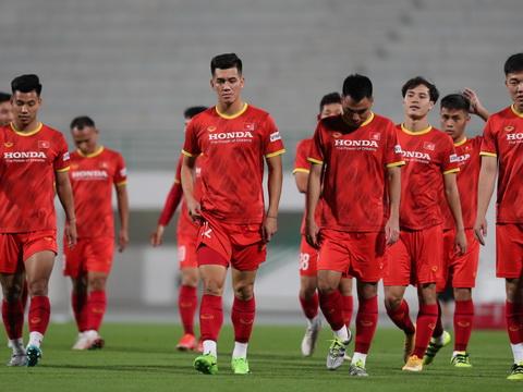 đội tuyển Việt Nam về nước, trực tiếp đội tuyển Việt Nam về nước, Park Hang Seo, VTV6, Quế Ngọc Hải, Bùi Tiến Dũng, lịch thi đấu vòng loại thứ ba World Cup 2022