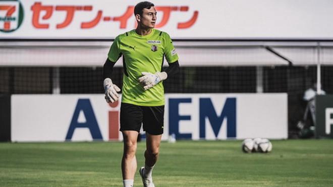 Văn Lâm lần thứ hai liên tiếp được Cerezo Osaka đăng ký thi đấu
