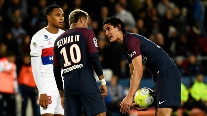 Cavani từ chối đề nghị nhường penalty cho Neymar với giá 1 triệu euro của PSG
