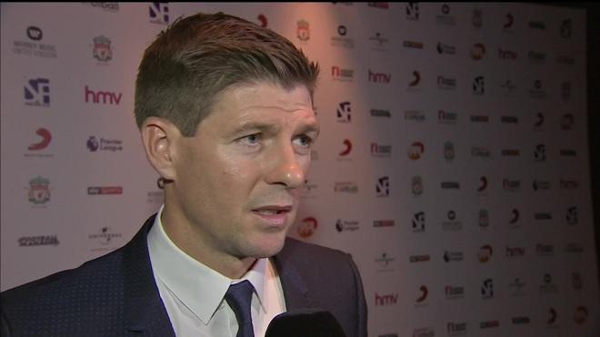 Steven Gerrard: Đánh bại M.U thì Liverpool mới vực dậy được mùa giải bết bát