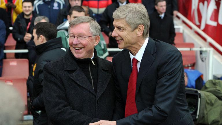 Arsene Wenger vs Alex Ferguson: Bao giờ, 'Giáo sư' mới sánh ngang được Sir Alex?