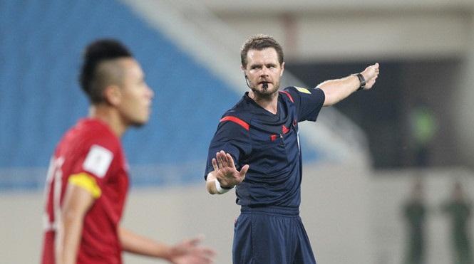 Trọng tài người Australia khóa facebook sau khi U23 Việt Nam làm nên lịch sử