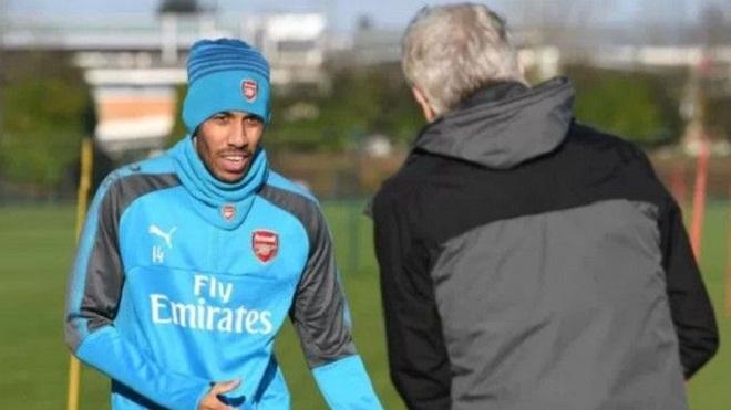 HLV Wenger tuyên bố: 'Với Aubameyang, Arsenal có thể đá với 4 cầu thủ tấn công'