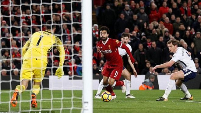 Jamie Carragher so sánh siêu phẩm của Salah: 'Chỉ Messi mới làm được điều tương tự'