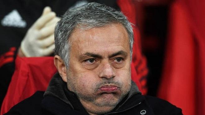 NÓNG: Ban lãnh đạo M.U đã bắt đầu 'nghi ngờ' Mourinho