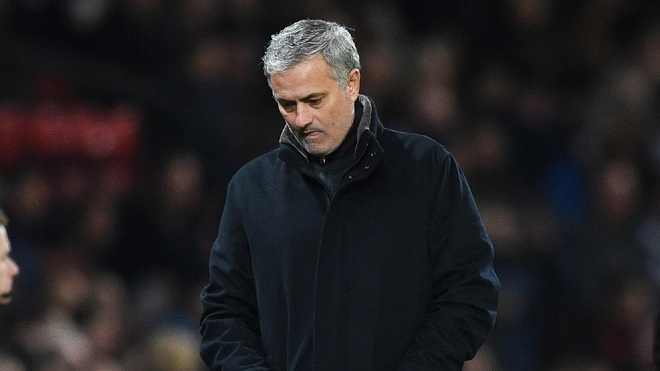 Cách Mourinho dựng xe bus ở Real cho thấy ông không phù hợp với M.U