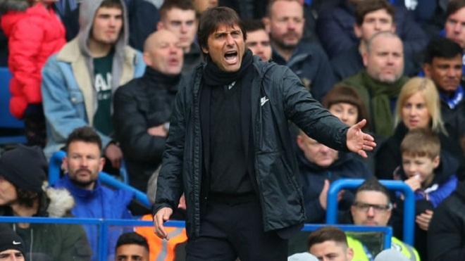 'Conte đang rất nóng lòng rời Chelsea. Họ mua hay bán ai mà không hỏi ông ấy'