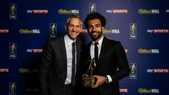 Liverpool: Salah bay đi bay lại trong đêm nhận các giải thưởng xuất sắc nhất năm