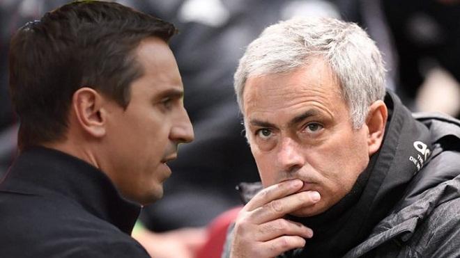 Mourinho lại 'khẩu chiến' với Neville để bảo vệ McTominay