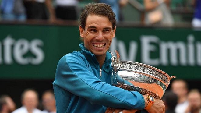 Rafael Nadal bật khóc khi lần thứ 11 vô địch Roland Garros