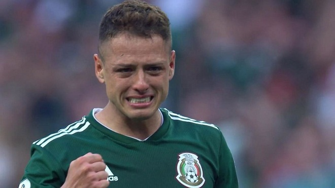 Chicharito bật khóc sau chiến thắng lịch sử của Mexico trước Đức