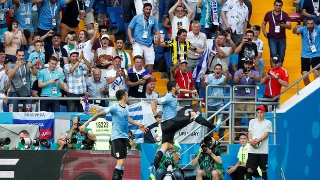Uruguay 1-0 Saudi Arabia: Suarez lập công, Uruguay đi tiếp vào vòng 1/8