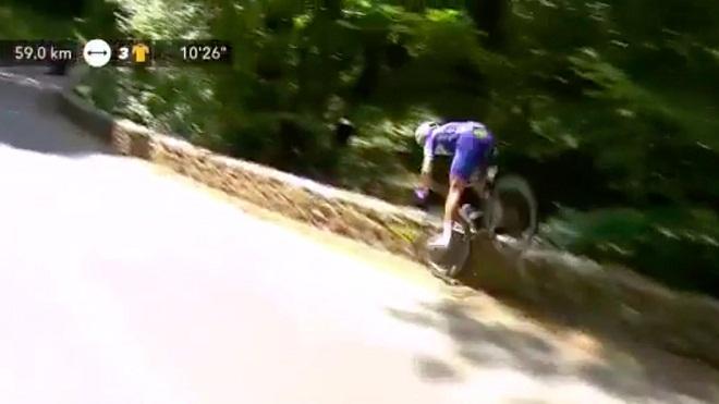Cua-rơ lao xuống vực vẫn đạp 60km nữa để về đích ở Tour de France