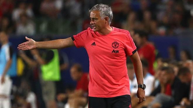 Mourinho: 'Tôi mà là CĐV thì sẽ ra biển chứ không tốn tiền đến xem M.U thi đấu'