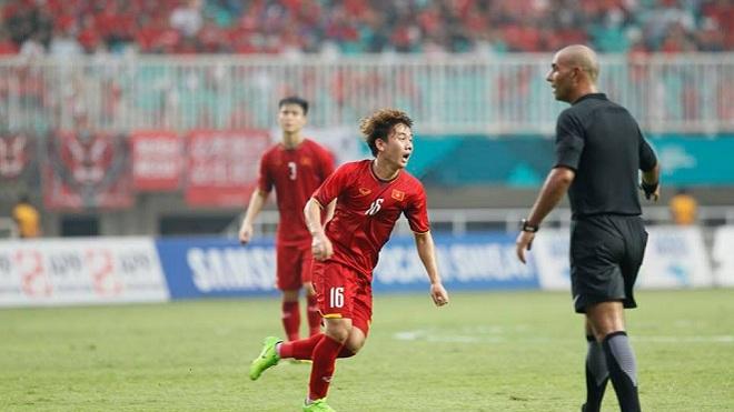 Xem lại khoảnh khắc Minh Vương lập siêu phẩm đá phạt vào lưới U23 Hàn Quốc