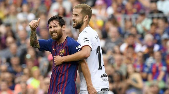 Barcelona 8-2 SD Huesca: Suarez và Messi lập cú đúp, Barca thắng vùi dập tân binh