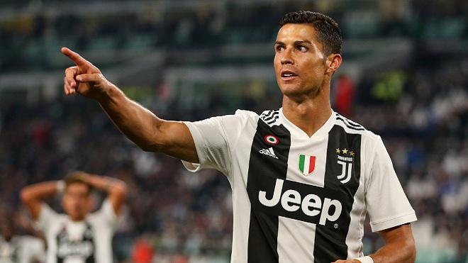 Ronaldo nâng tầm Juventus, cứu Serie A, cực kỳ đẳng cấp. Dễ hiểu fan Real vẫn gọi tên Ronaldo