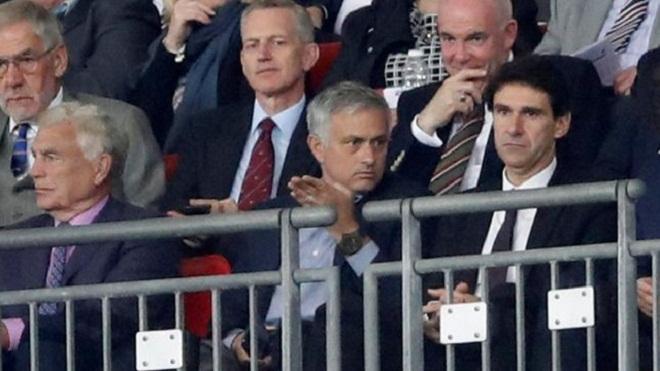 Buổi tối của Mourinho ở Wembley thú vị ra sao dưới góc nhìn của nhà báo Anh?