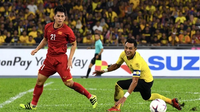 Báo nước ngoài chỉ ra 5 điểm nhấn trận Malaysia 2-2 Việt Nam: Duy Mạnh không đáng bị đuổi