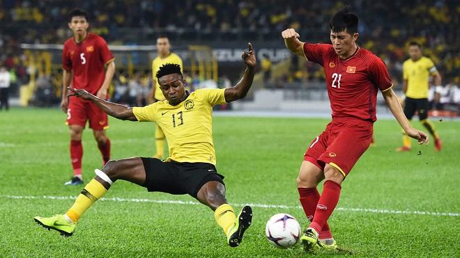 Sao nhập tịch Malaysia được khuyên nên đá trung phong trước Việt Nam