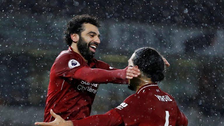 VIDEO Wolves 0-2 Liverpool: Salah và Van Dijk giúp Liverpool dẫn trước Man City 4 điểm